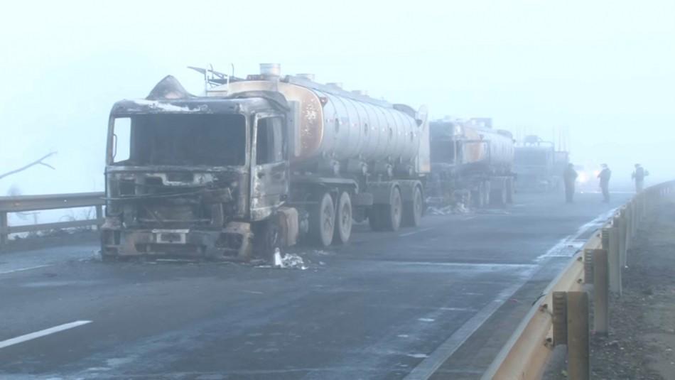 Cinco camiones son quemados en nuevo ataque incendiario en La Araucanía