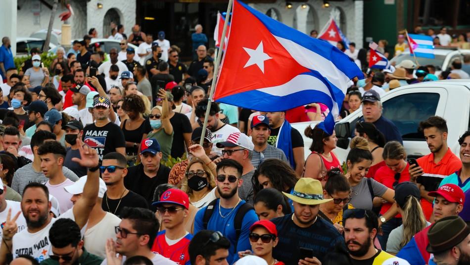 Jadue reconoce violaciones a los DDHH en Cuba y Boric condena represión en manifestaciones