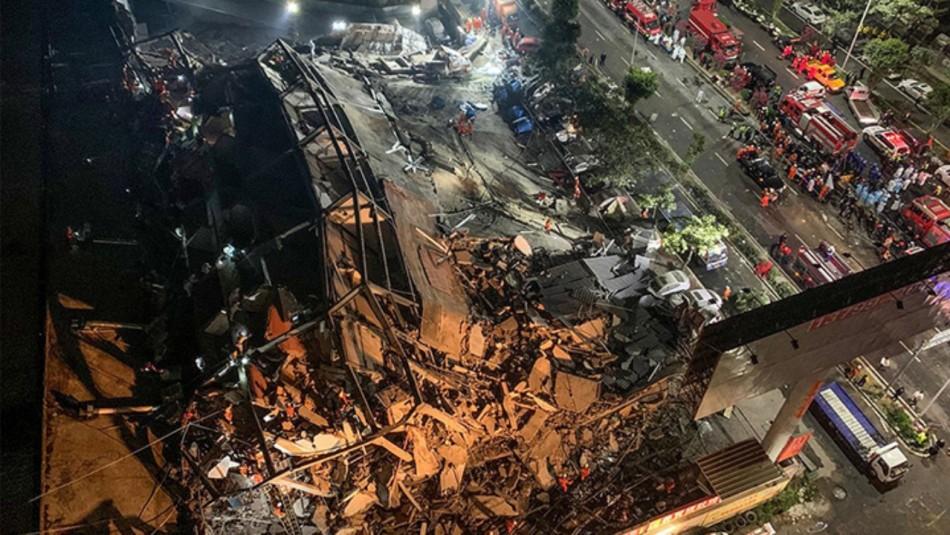 Muertos por derrumbe de hotel en China asciende a ocho: Sigue búsqueda de sobrevivientes