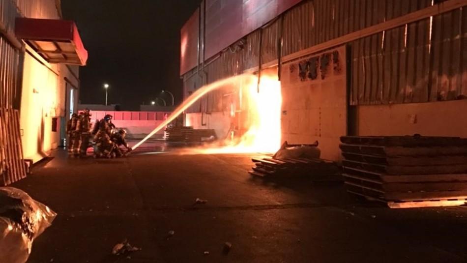 Los videos del incendio en fábrica de colchones de Coquimbo
