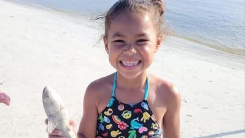 Niña de 7 años muere por una bala perdida que atravesó la pared de su pieza mientras dormía