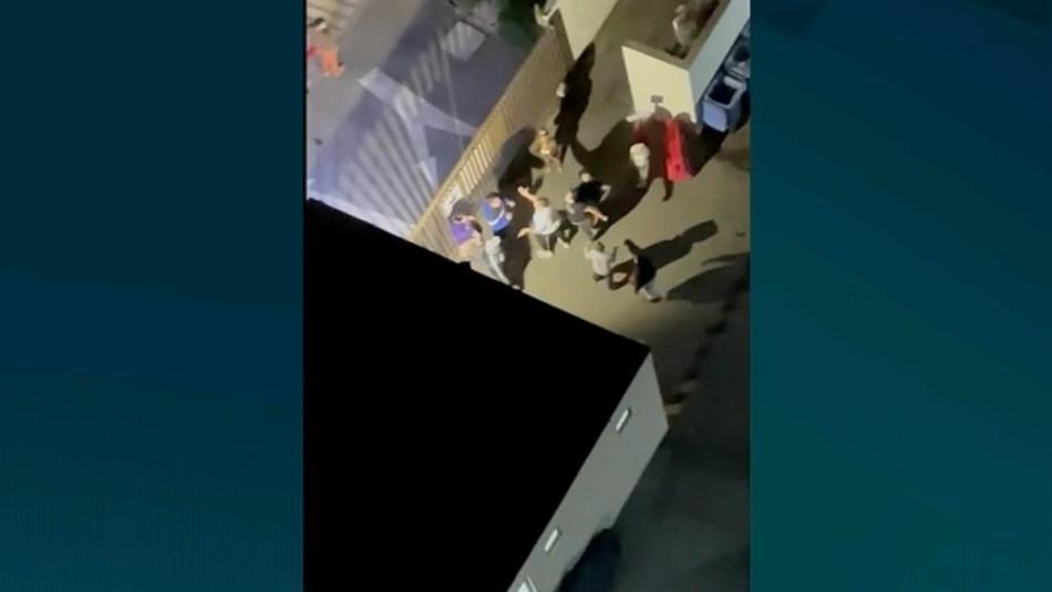 Video muestra cobarde agresión a conserje en Independencia: sólo pidió que bajaran la música