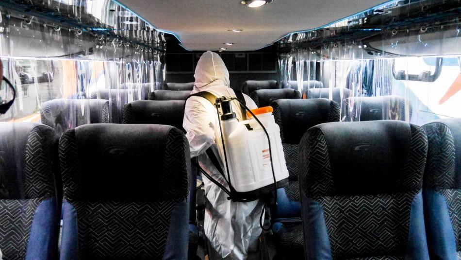 Buscan a 12 pasajeros de bus Santiago-Concepción que viajaron con mujer contacto estrecho Delta