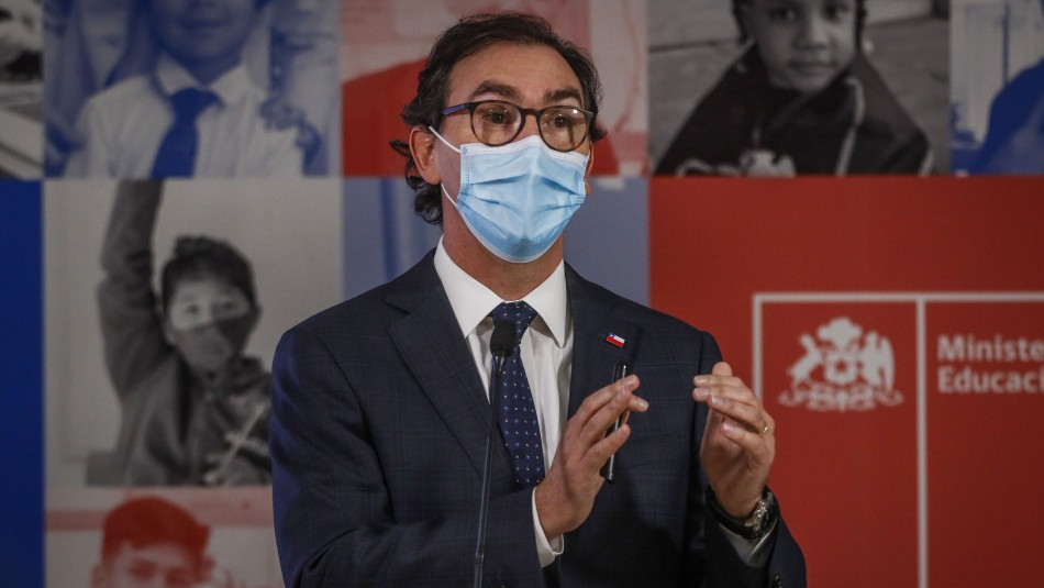 Acusación Constitucional contra Raúl Figueroa será presentada el martes