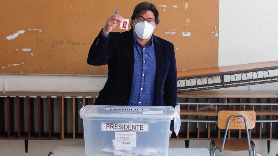 Jadue se manifiesta tranquilo tras votar en las Primarias: