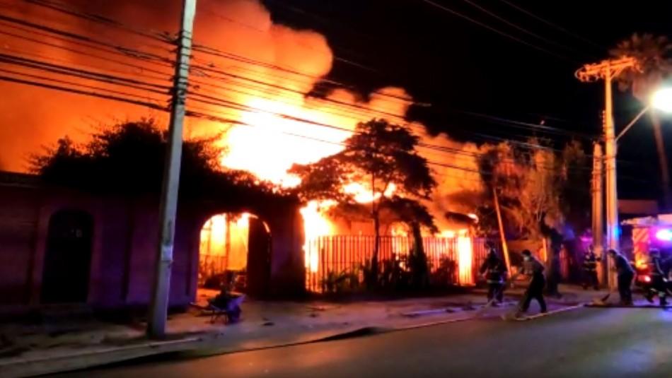 Hombre de 91 años y mujer de 83 mueren en incendio en viviendas de Quillota