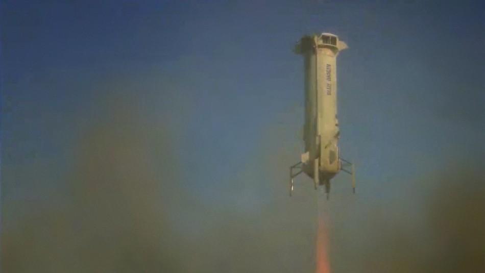 El propietario de Amazon, Jeff Bezos, listo para viajar al espacio exterior en su propia nave