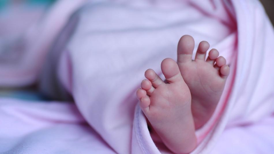 Padre asfixia a su bebe de cuatro meses: estaba drogado y se desmayó sobre la lactante