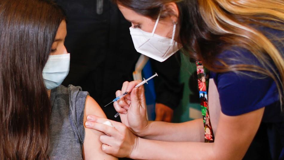 Falta de stock de vacunas en la RM: Revisa por comuna en qué lugares no estarán vacunando