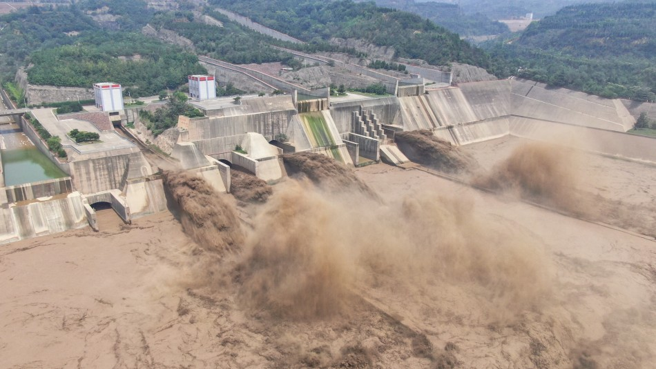 Gran represa amenaza con romperse