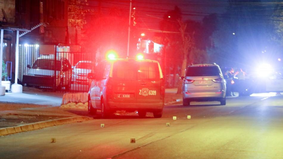Conductor volcó, se bajó del auto y abandonó el lugar caminando: Bomberos solo halló al copiloto
