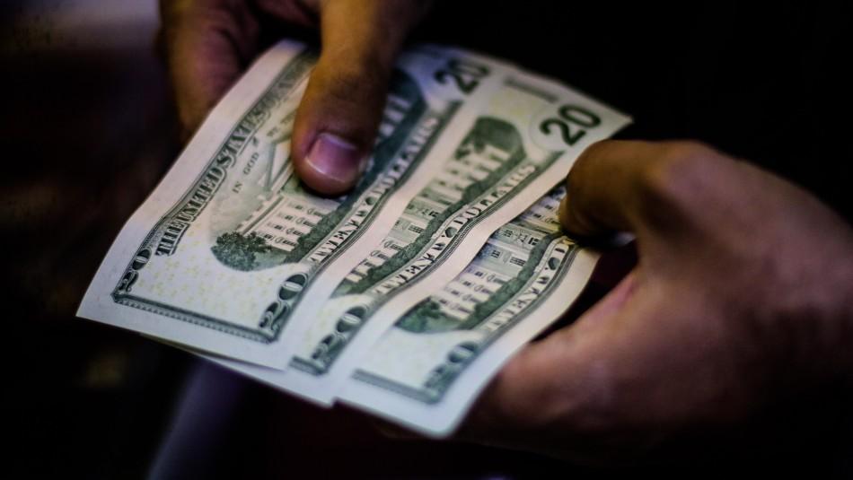 El dólar cerró su sexta jornada al alza: Acumula 24 pesos de incremento en agosto
