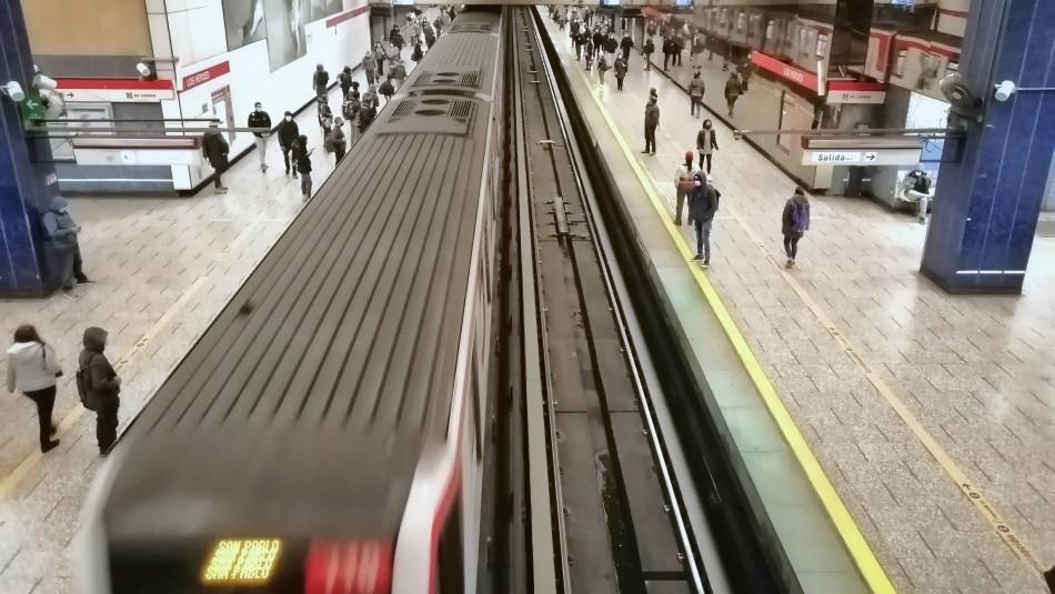 Metro de Santiago informa falla técnica en Línea 6