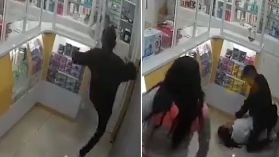 Una mujer y otro delincuente asaltan farmacia: Amarran a empleada y se llevan mil dólares