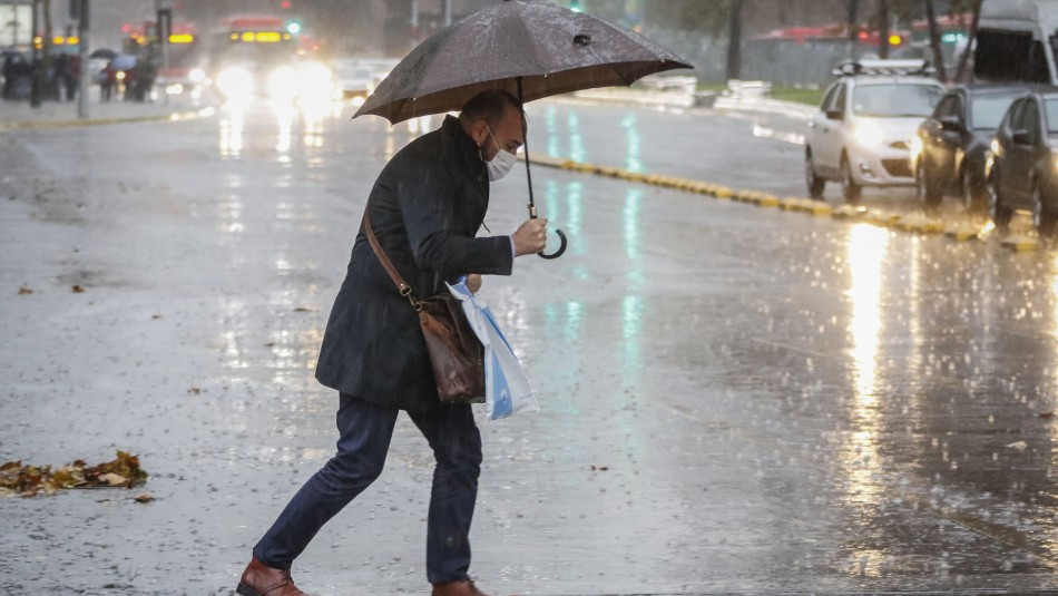 Lluvias en Santiago: Meteoróloga Michelle Adam anticipa llegada de