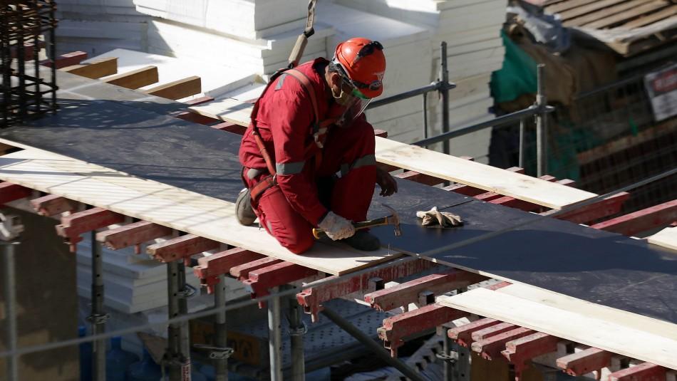 Polémica por ofertas laborales que incluyen subsidios estatales en el sueldo