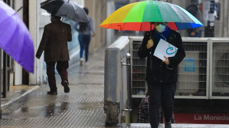 Lluvia en Santiago: peak de precipitaciones se concentrará en dos horarios entre miércoles y jueves