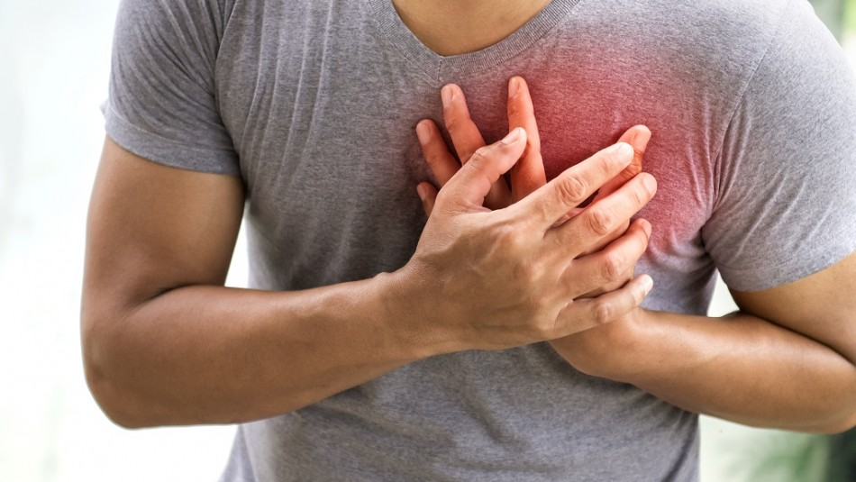 Dolor o puntadas en el corazón: Estos son los síntomas que te indican que debes ir al cardiólogo