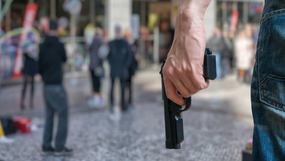 Hombre armado ingresa a un bar, asesina a un cliente y luego baila sobre su cuerpo
