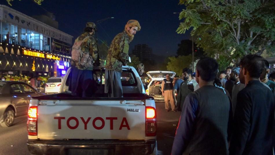 Talibanes confirman entre 13 y 20 muertos en atentado al exterior del aeropuerto de Kabul