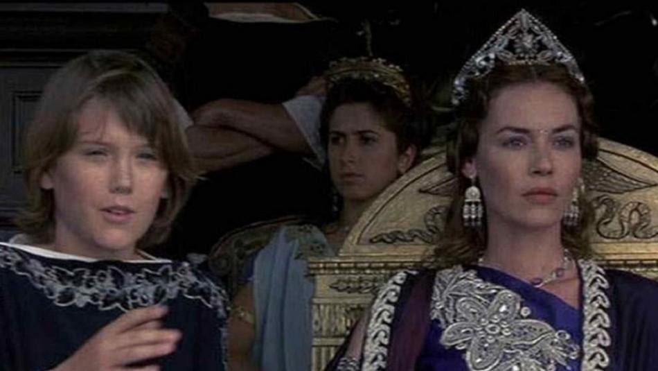 Así luce el niño que interpretó a Lucius en