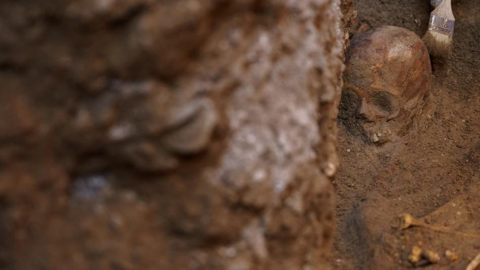 Hallan esqueleto de más de 7 mil años con