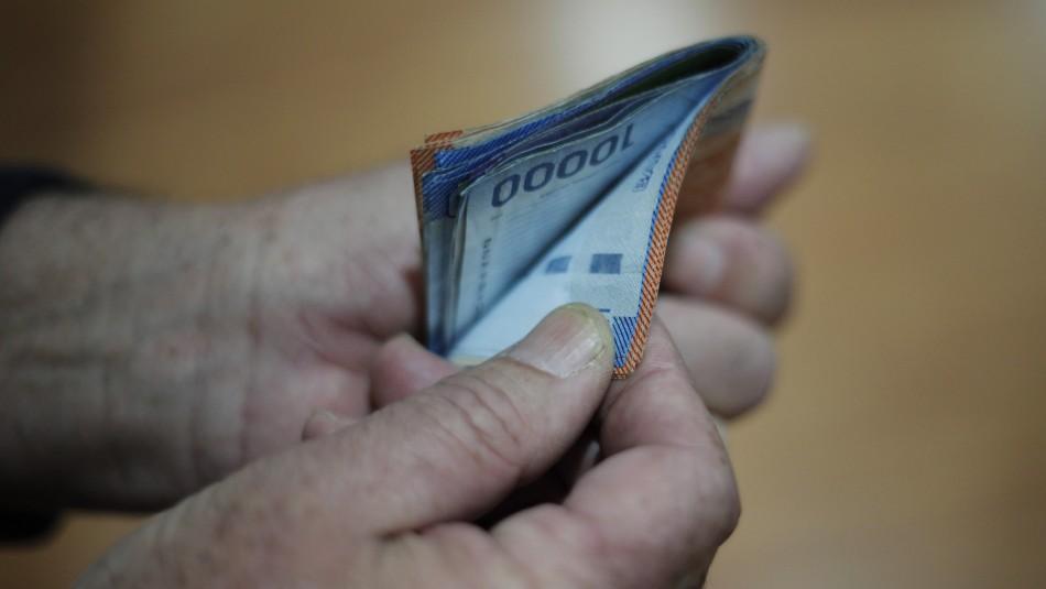 Diputado Celis también pide al Gobierno pagar el 100% del IFE Universal de septiembre e incluir el mes de diciembre