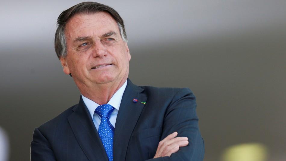 Bolsonaro dice que tiene tres alternativas a futuro:
