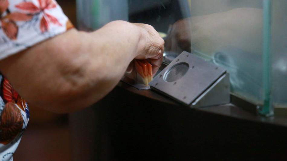 Los cuatro retiros de la AFP costaría al fisco US$ 20.559 advierte oficio de la Dipres al Congreso