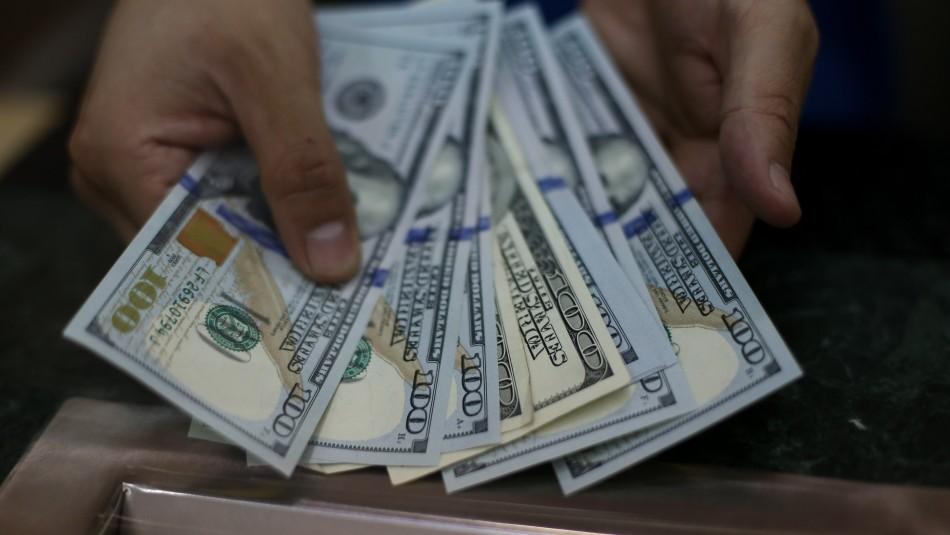 El dólar comienza con nueva caída: sigue en vivo el valor de la moneda