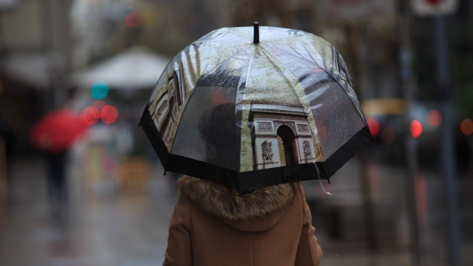 Mantienen pronostico de lluvia para el lunes en Santiago aunque sería de
