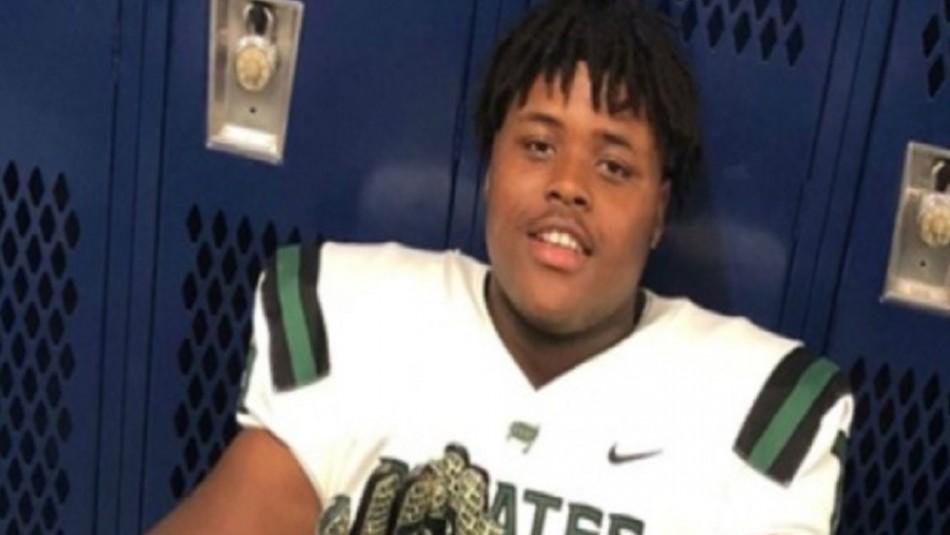 Joven promesa de fútbol americano muere aplastado por un ascensor en una residencia estudiantil
