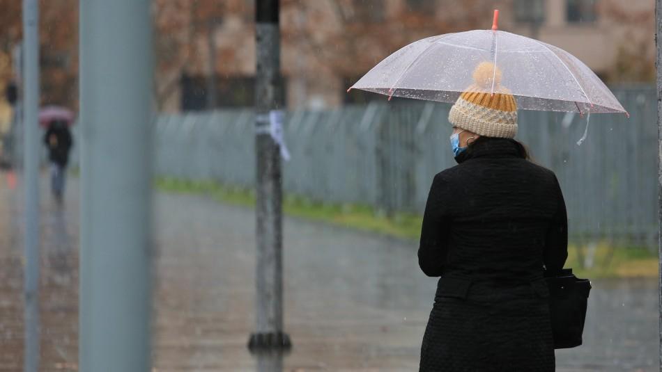 Lluvia en Santiago: Sistema frontal llegaría este martes y caerían precipitaciones con mayor fuerza el sábado