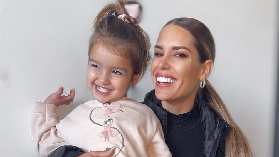 Gala Caldirola y su hija