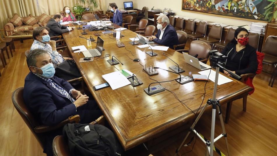 Feriado del 17 de septiembre: Comisión aprueba que sea declarado irrenunciable y ahora pasa a Sala