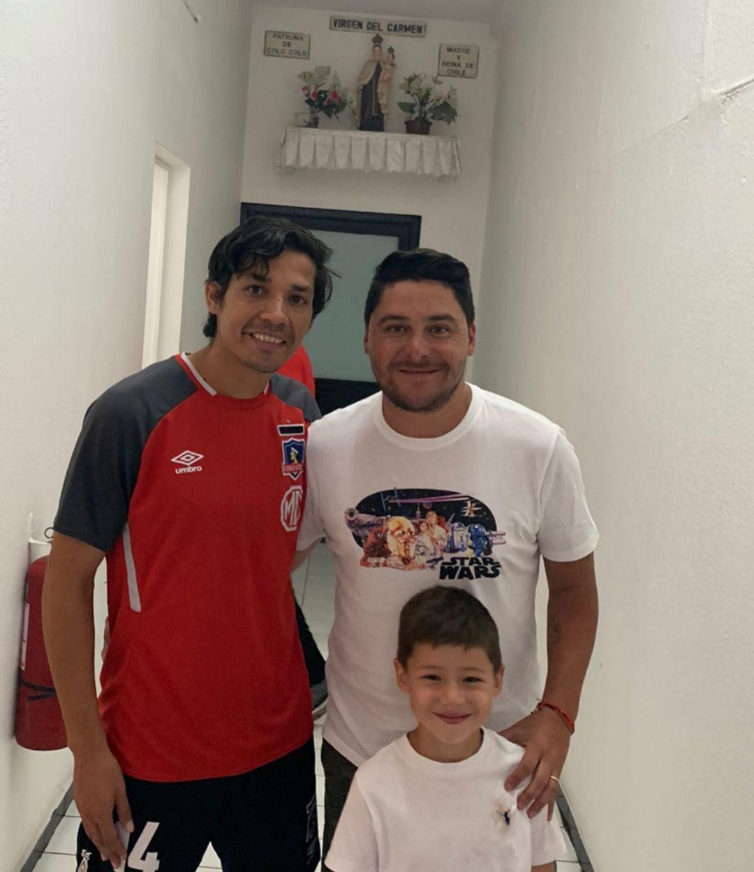 Manuel Neira junto a su hijo Santiago y Matías Fernández