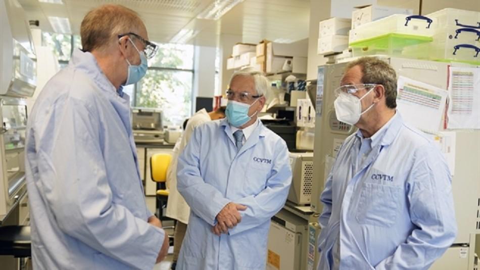 Presidente Piñera se reúne con creadores de vacuna AstraZeneca y firma acuerdo con Universidad de Oxford