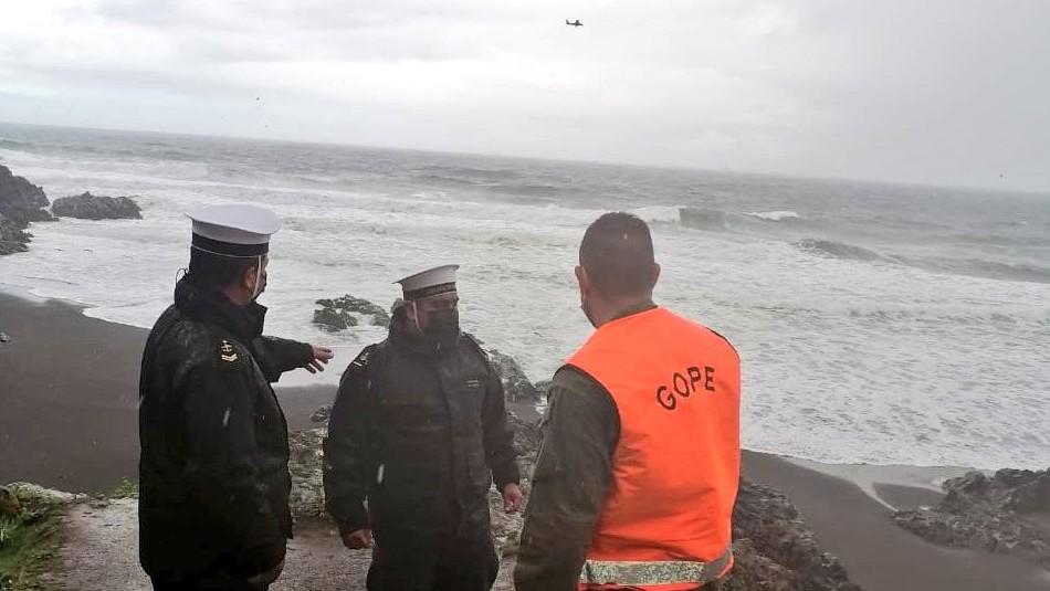 Desaparecidos en Cobquecura: Altas marejadas, fuerte lluvia y vientos dificultan la búsqueda