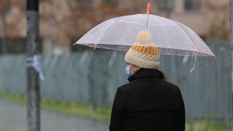 Lluvia en Santiago: revisa a qué hora comienzan las precipitaciones este lunes y en qué sector