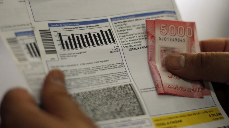 Enel presenta requerimiento al TC para poder suspender el suministro a clientes morosos