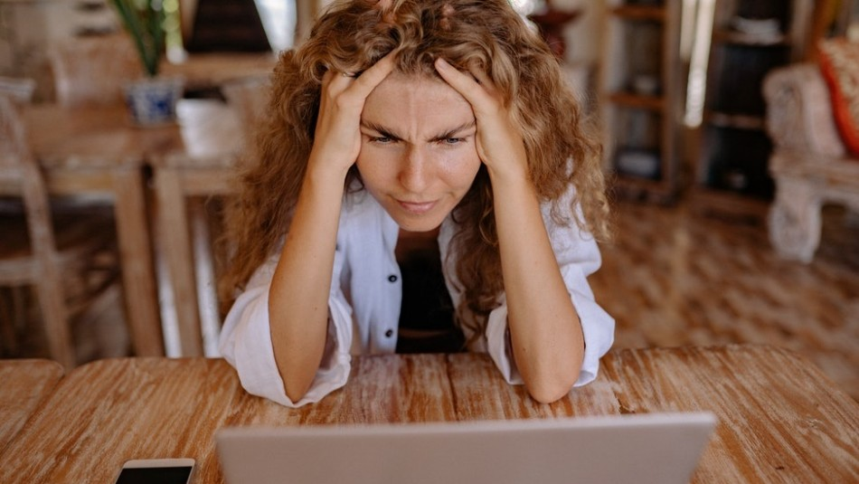 Estrés: Así es cómo la salud mental influye en la presión arterial e incrementa el riesgo a un ACV y ataque cardíaco