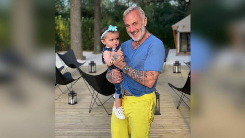 Gianluca Vacchi y su hija enternecen vestidos con pijama kimono a juego: