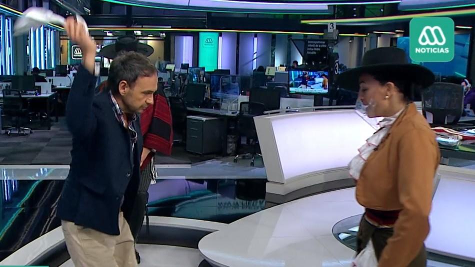 Sorprendió con su zapateo: Rodrigo Sepúlveda aprendió a bailar cueca en pleno noticiero