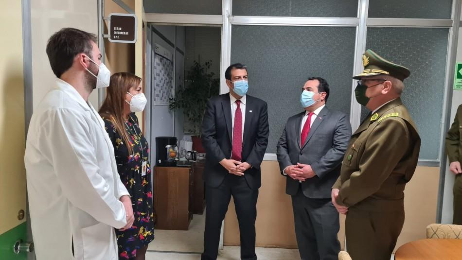 Ministro del Interior visita a carabinero baleado: