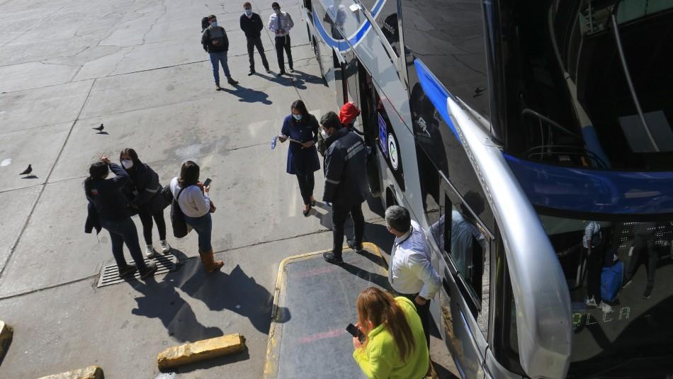 Viajaba pasajero con Covid en recorrido Santiago-Curicó: Seremi requiere ubicar