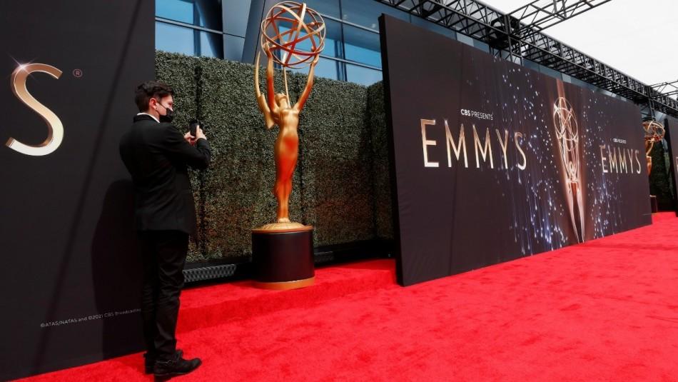 Revisa los looks más llamativos de la alfombra roja de los Emmy 2021