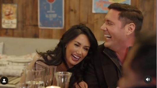 Pamela Díaz y Pancho Saavedra riendo por la imitación de Kramer