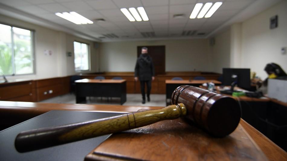 Condenan a 18 años de presidio efectivo a autor de violación y abuso reiterado contra la hija de su pareja