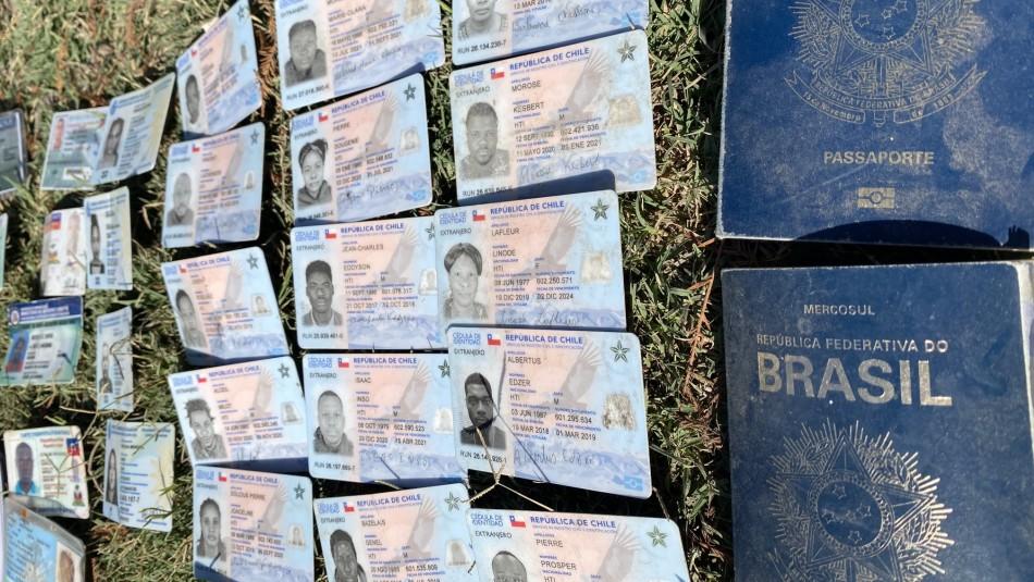 Carnets chilenos en frontera de Estados Unidos: Migrantes haitianos los destruyen para solicitar asilo