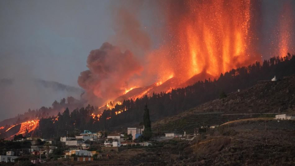 Erupción volcánica en España arrasa con más de 320 edificios y levanta alerta por gases tóxicos